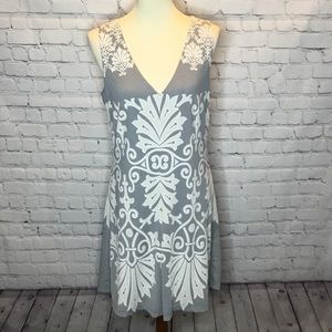 UNION OF ANGELS SLEEVELESS DRESS SIZE MEDIUM